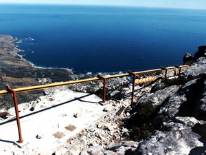 Temporary Overhead Monorail Conveying Stystem on Table Mountain